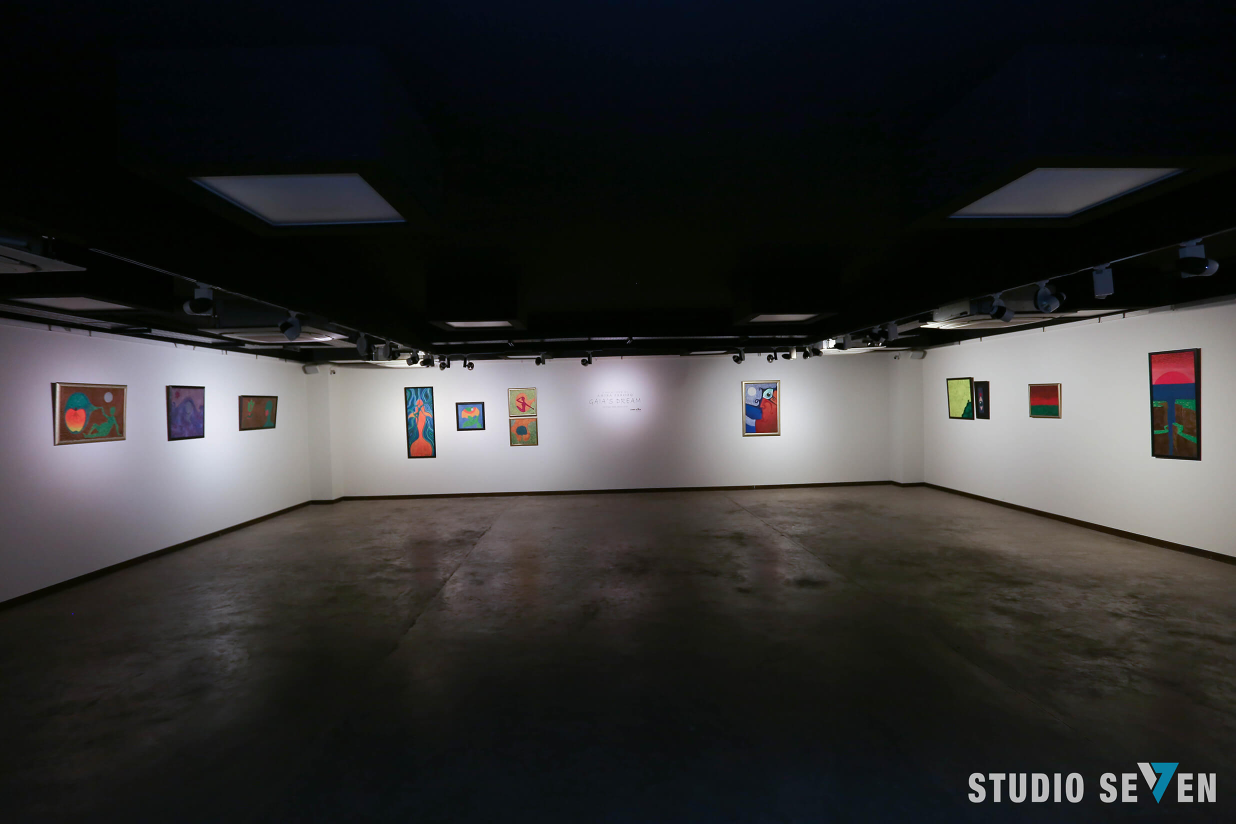Signature II Art Gallery
